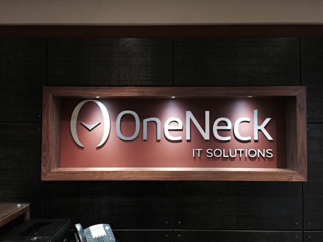 oneneck_sign